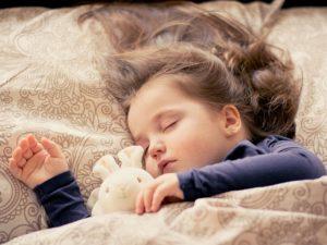 Tiefer Schlaf von einem Baby